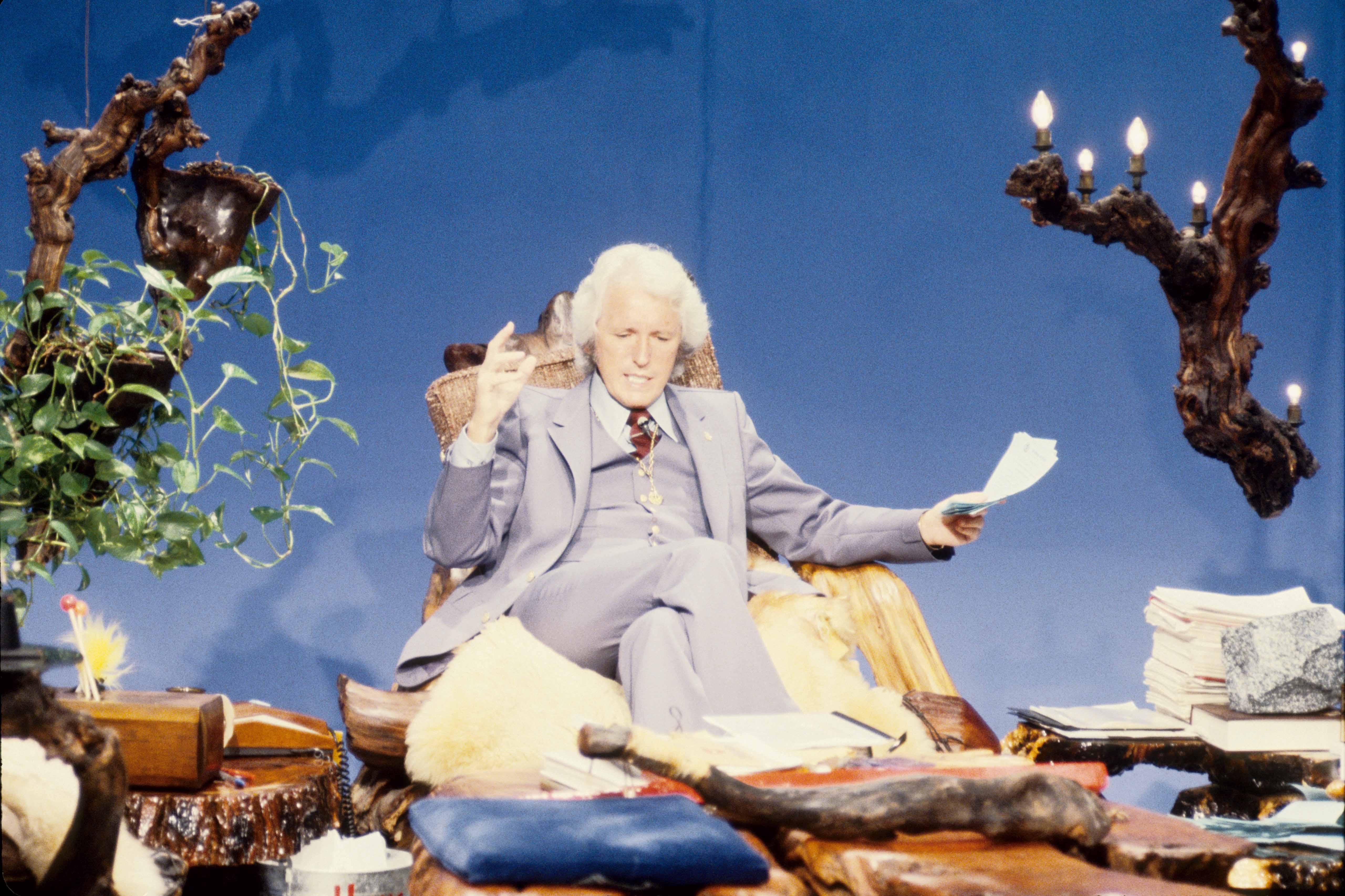 Szenenfoto aus dem Film Glaube und Währung