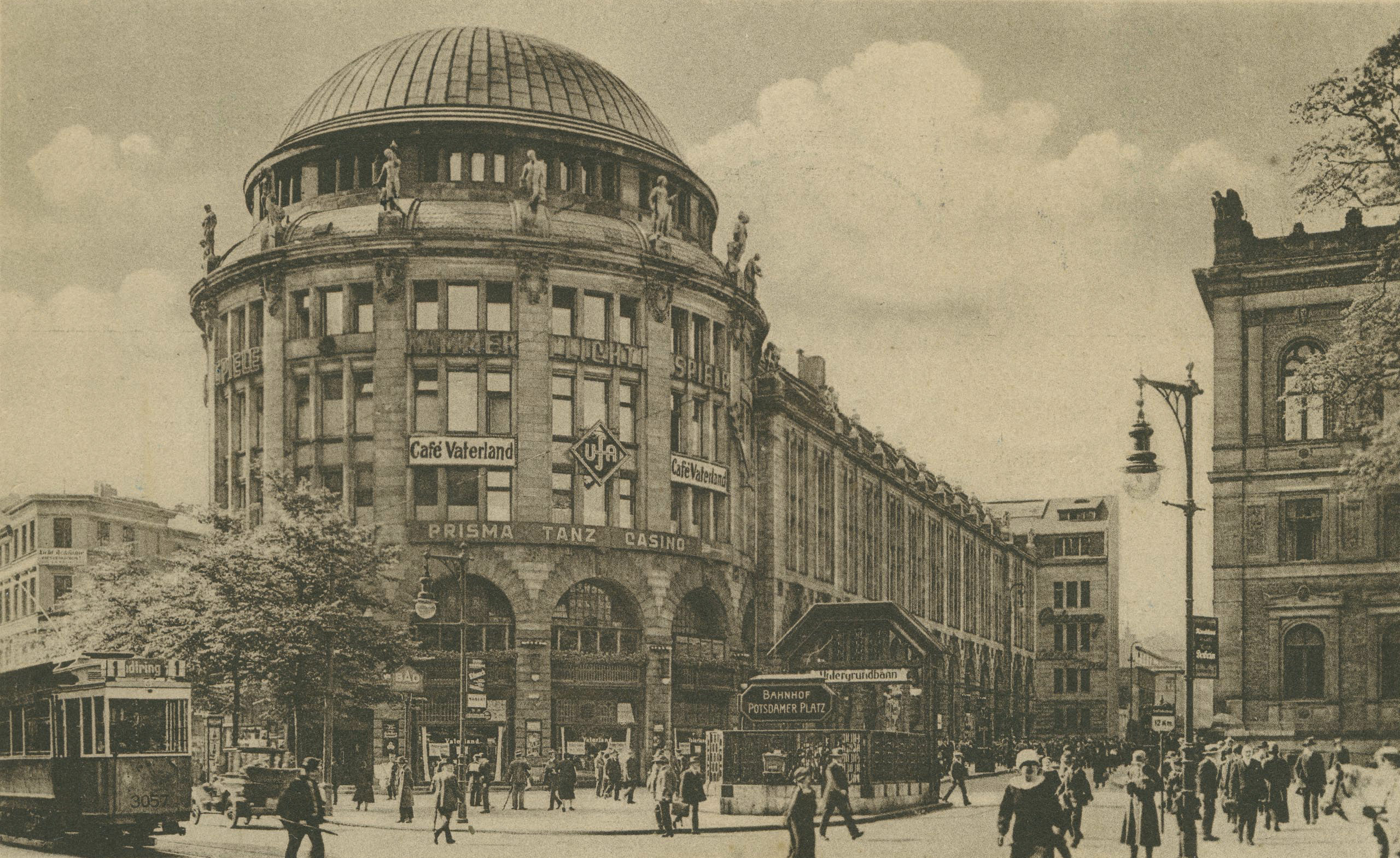 Sepia colored photo: Haus Vaterland with dome