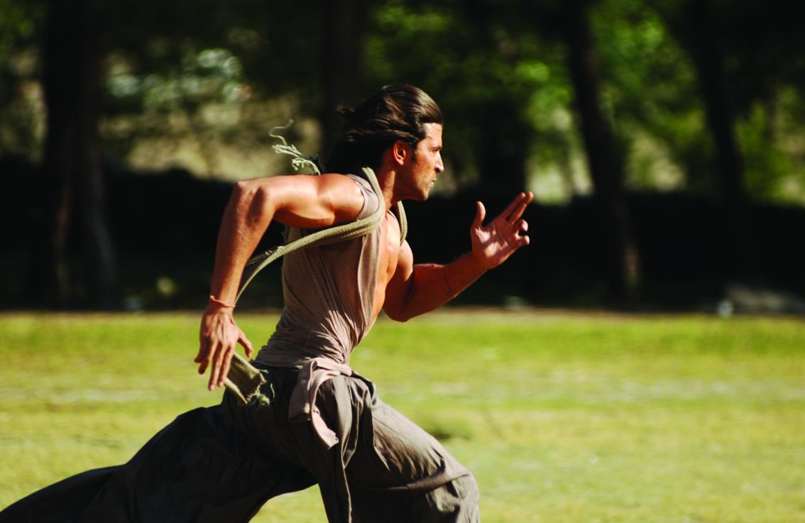 Szenenfoto aus dem Film Krrish, der Sternenheld (Indien 2006, Regie: Rakesh Roshan)