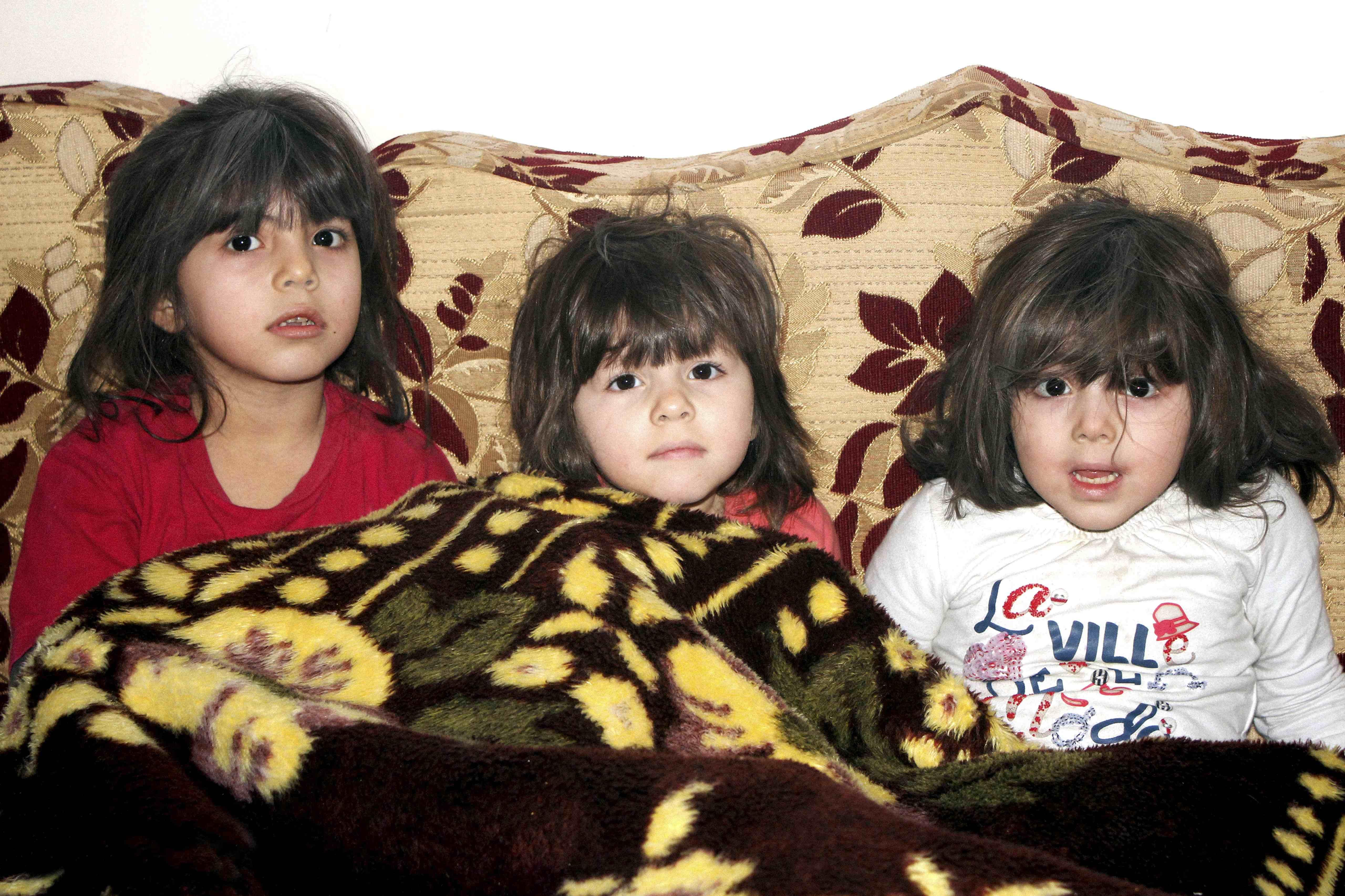 Foto von drei jungen Mädchen in der Stadt Deir Ezzor (Fotograf: Hayyan al-Yousouf)