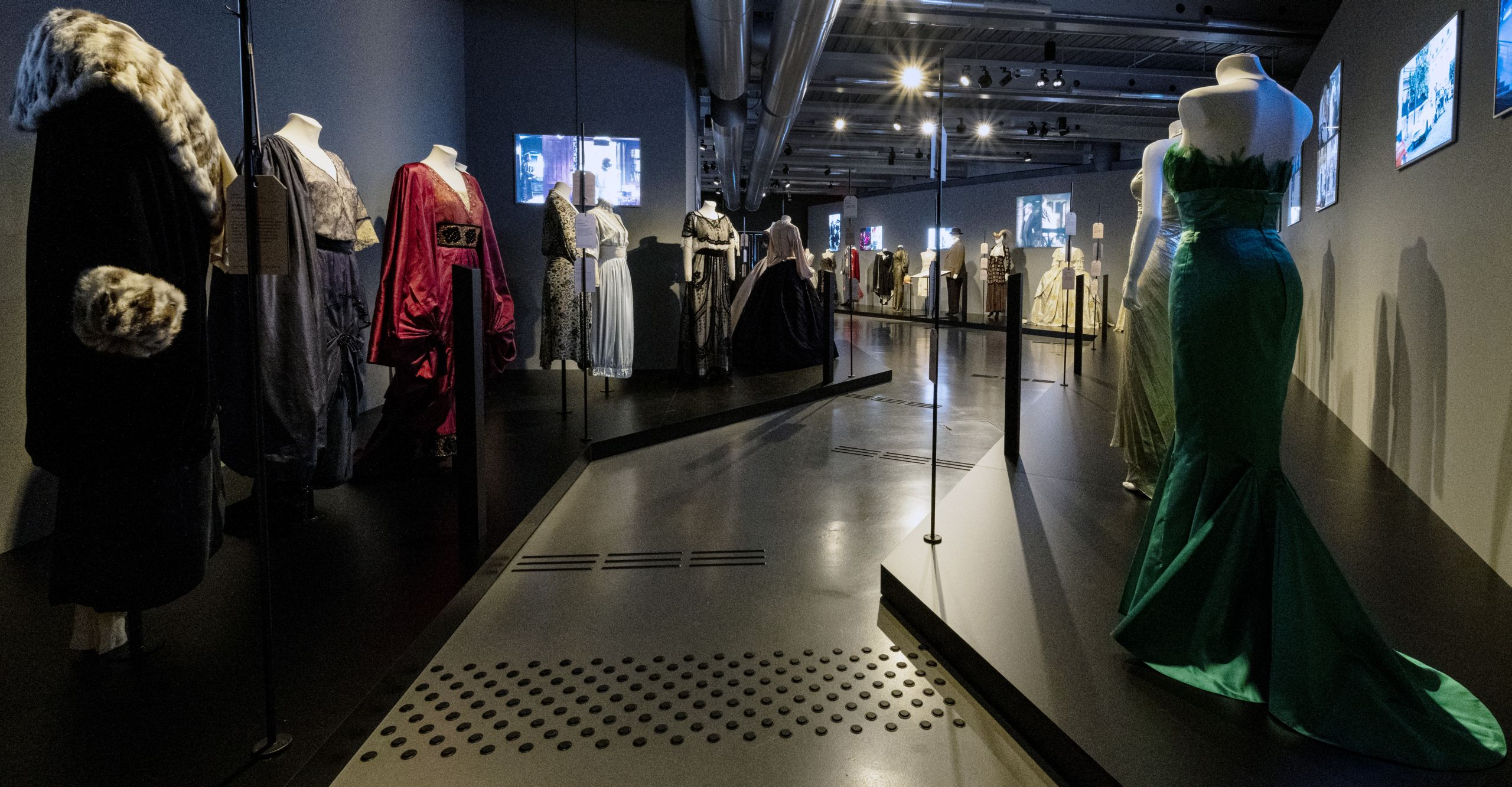 View of the exhibition »Close-Up – The Film Costumes of Barbara Baum«