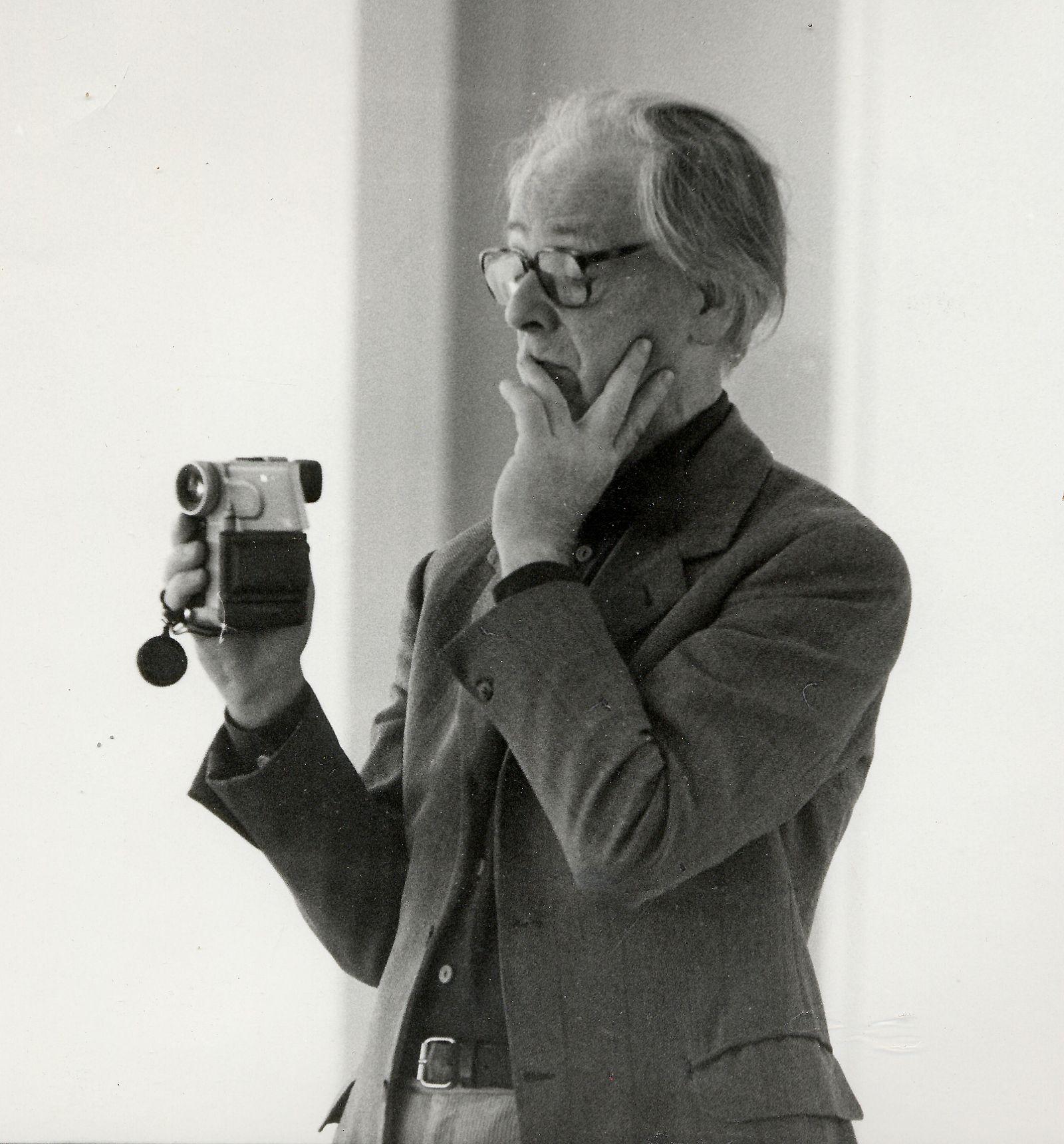Portraitfoto von Hans Jürgen Syberberg