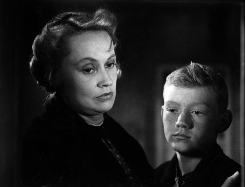 Szenenfoto aus dem Film Gejagt bis zum Morgen (Deutsche Demokratische Republik 1957, Regie: Joachim Hasler)
