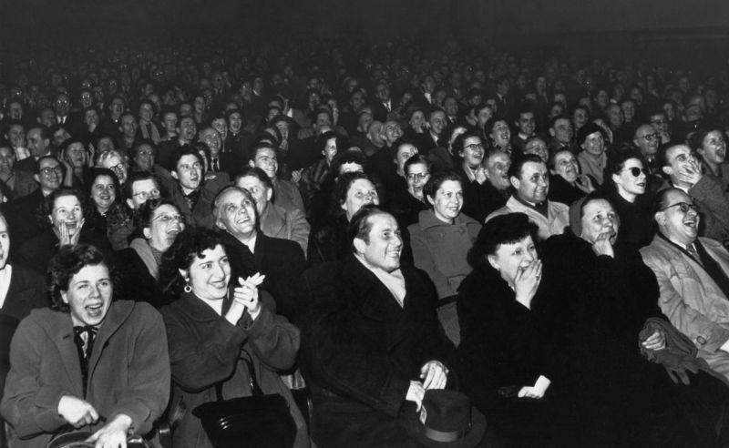Zuschauer im Delphi Filmpalast, Berlin 1954