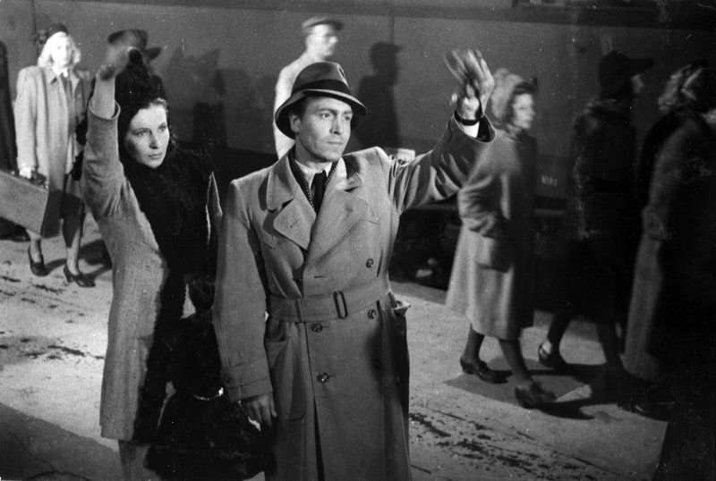 Szenenfoto aus dem Film Ehe im Schatten