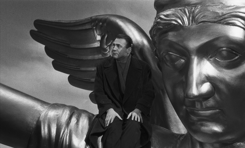Bruno Ganz in Der Himmel über Berlin
