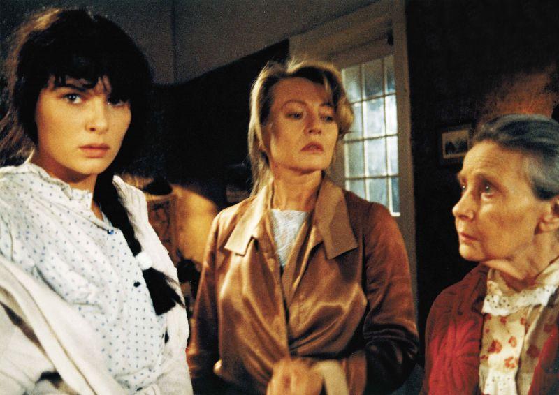 Barbara Auer, Karin Baal und Ruth Hellberg in dem Film Im Kreise der Lieben
