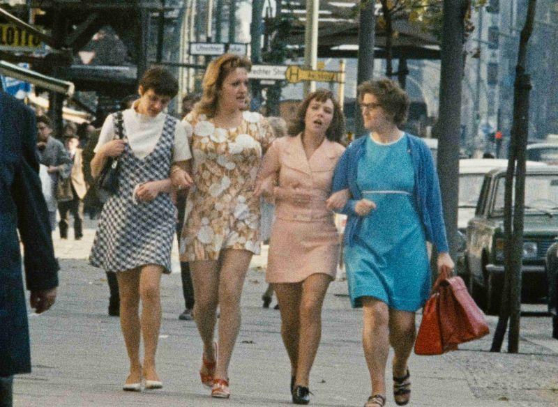 Film still:  Für Frauen. 1. Kapitel