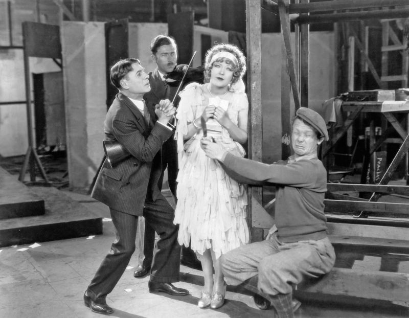 Sidney Bracy, Marion Davies, Ray Cooke in Show People