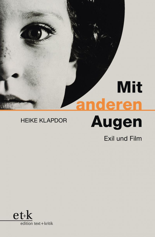 Buchcover: schwarz-weißes, angeschnittenes Porträt eines Kindes, schwarz-orangene Schrift mit dem Buchtitel