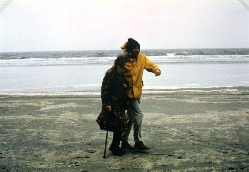 Lotte Eisner und Werner Herzog bei den Dreharbeiten zu Nosferatu in Delft
