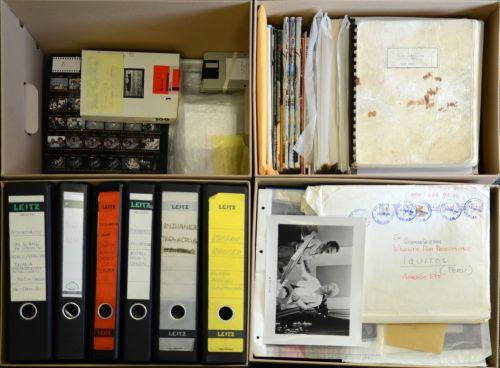 Blick in Archivkartons des  Werner Herzog Archivs bei der Übergabe an die Deutsche Kinemathek