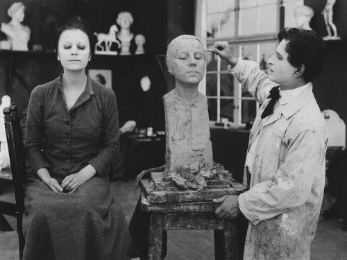 Szenenfoto aus dem verschollenen Film <i>Die ewige Nacht</i>, D 1914, Regie: Urban Gad Quelle: Deutsche Kinemathek
