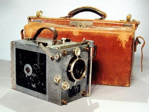 Eine alte 16mm Kamera, Foto/©: Marian Stefanowski