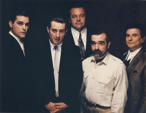 Werkfoto mit Ray Liotta, Robert DeNiro, Paul Sorvino, Martin Scorsese und Joe Pesci des Films Goodfellas (U.S.A. 1990, Regie: Martin Scorsese)
