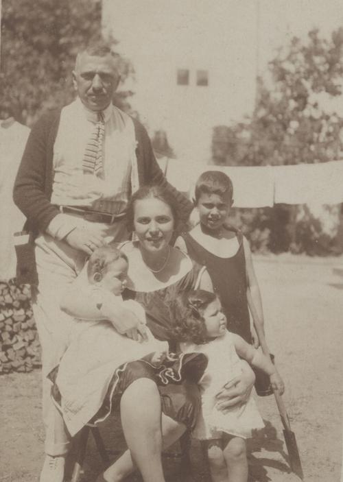 Fotoporträt der Familie Adam, Berlin, 1921