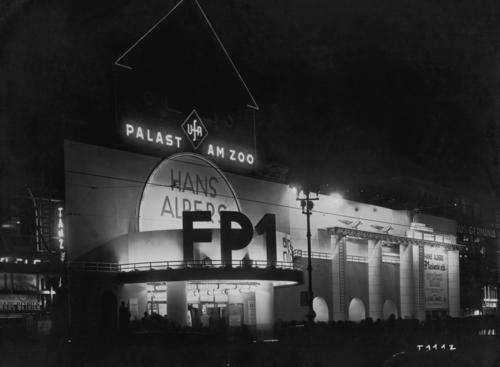 Photo of cinema Ufa-Palast am Zoo, Berlin, December 1932