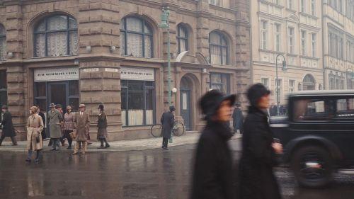 Neue Berliner Straße, scene: Uli Hanisch, Babylon Berlin (Germany, since 2017, director: Tom Tykwer, Achim von Borries, Hendrik Handloegten), Source: Deutsche Kinemathek - Uli Hanisch Archiv