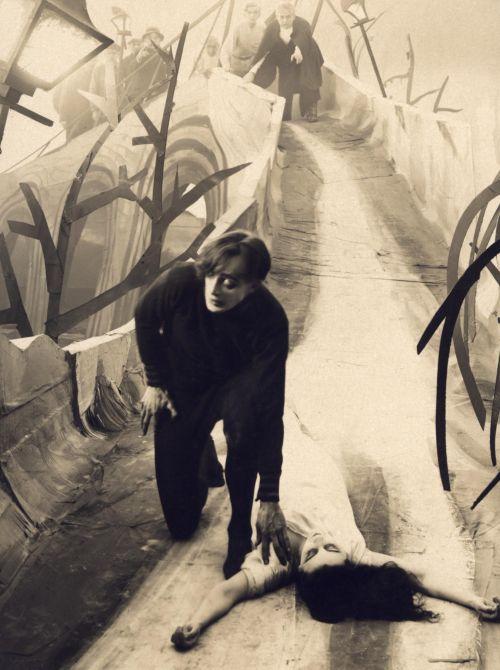 Cesare (Conrad Veidt) und die schöne Jane (Lil Dagover) werden verfolgt