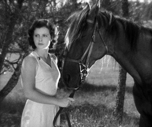 Szenenbild in schwarz-weiß aus dem Film Extase
