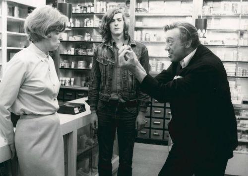 Marianne Kehlau, Marcel Werner and Horst Tappert in a drugstore